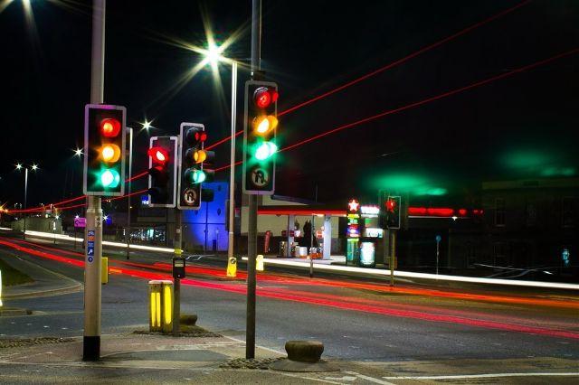你在等红绿灯挂N挡还是D挡,做对了吗?