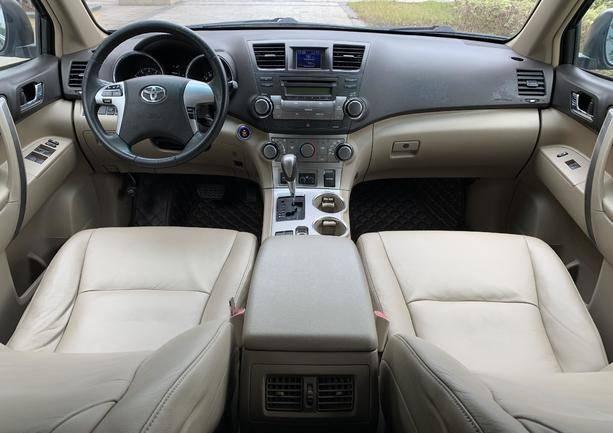 汉兰达 2012款 2.7L 两驱5座运动版
